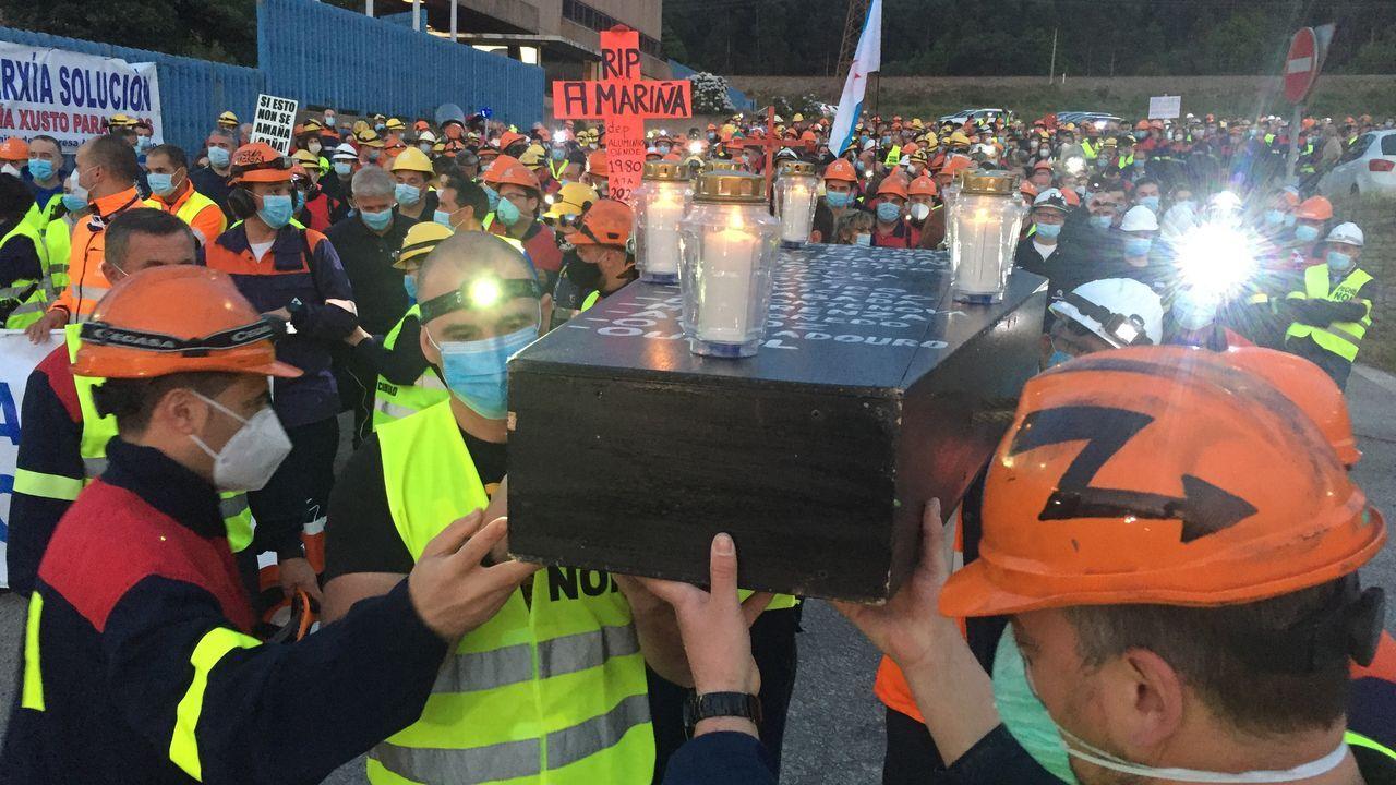 Gran manifestación nocturna en A Mariña por Alcoa.Pleno telemático do Concello de Lugo