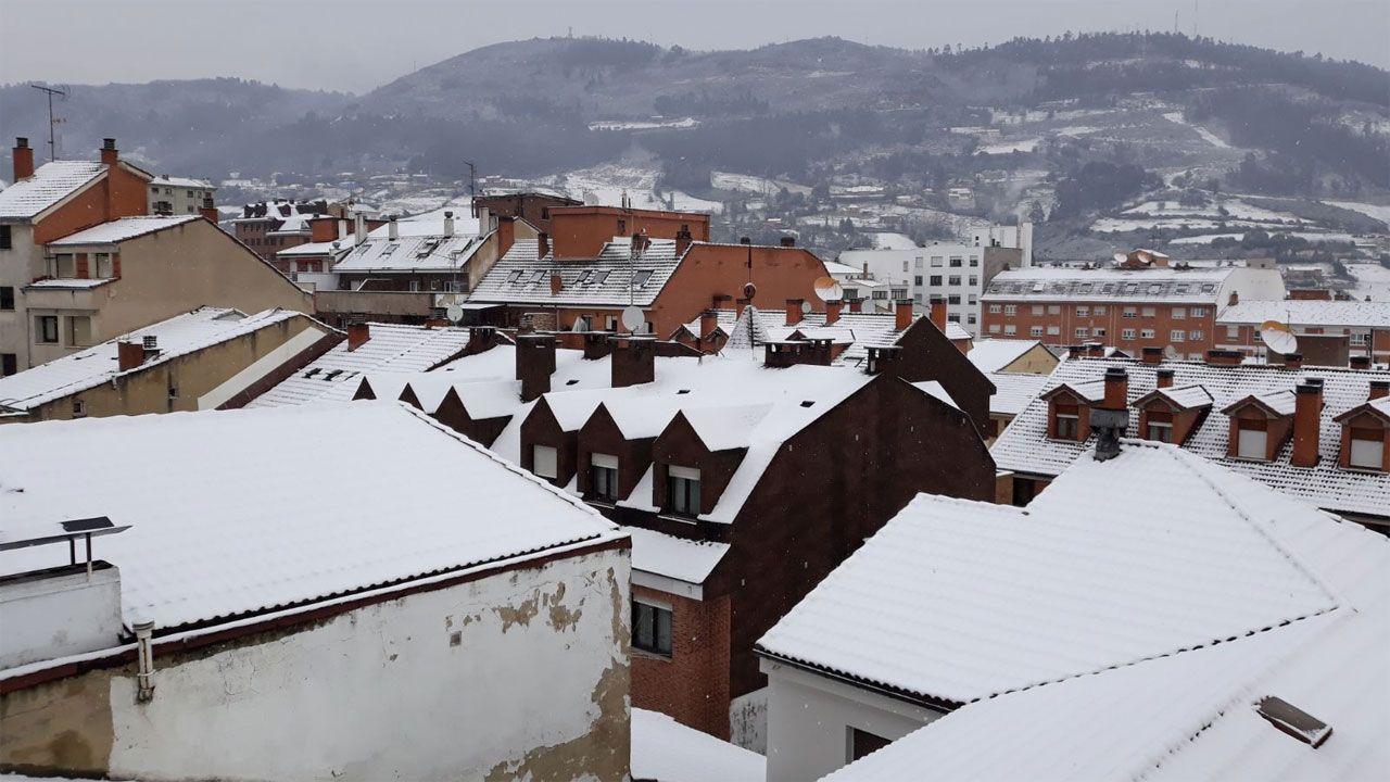 Nieve en Oviedo.Nieve en los tejados de Oviedo