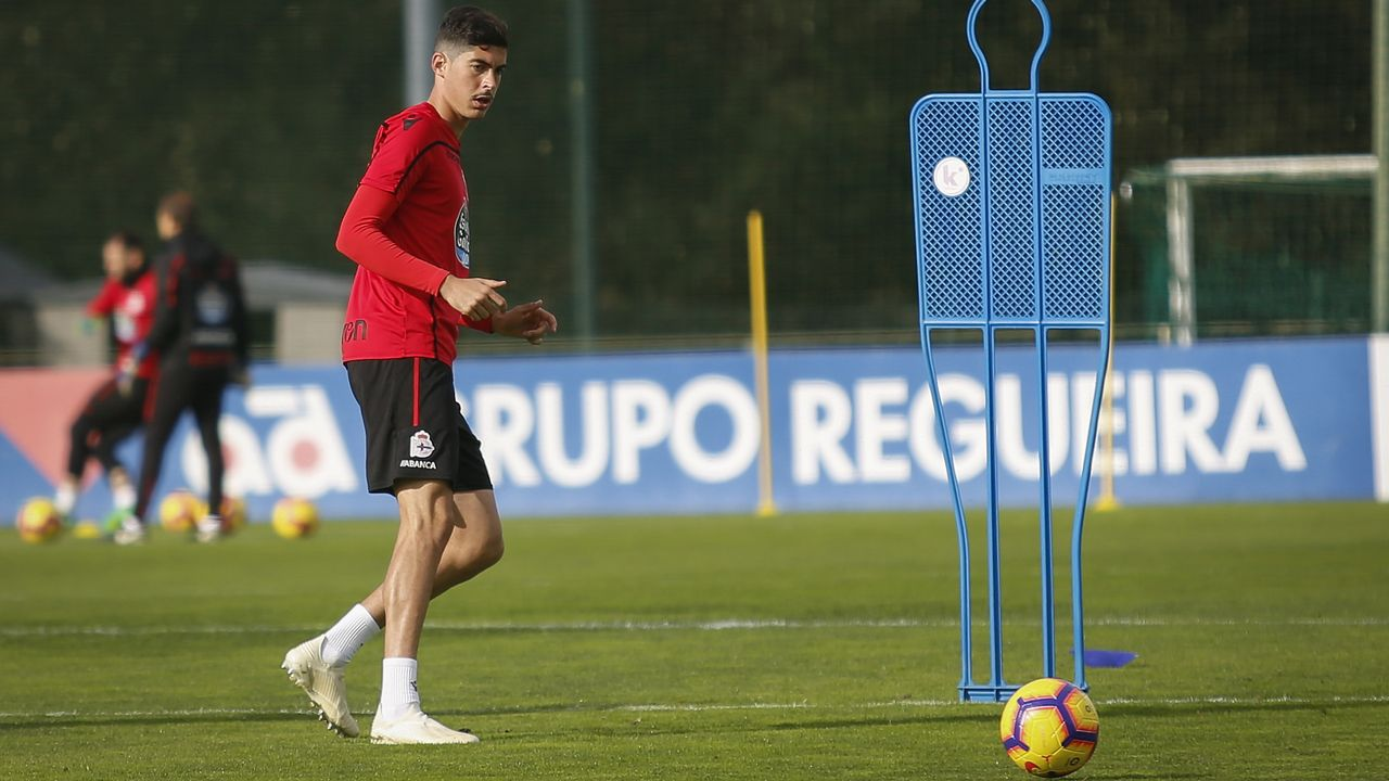 Las imágenes del Dépor - Rayo.Carlos Fernández marcó el primer gol deportivista del pasado sábado
