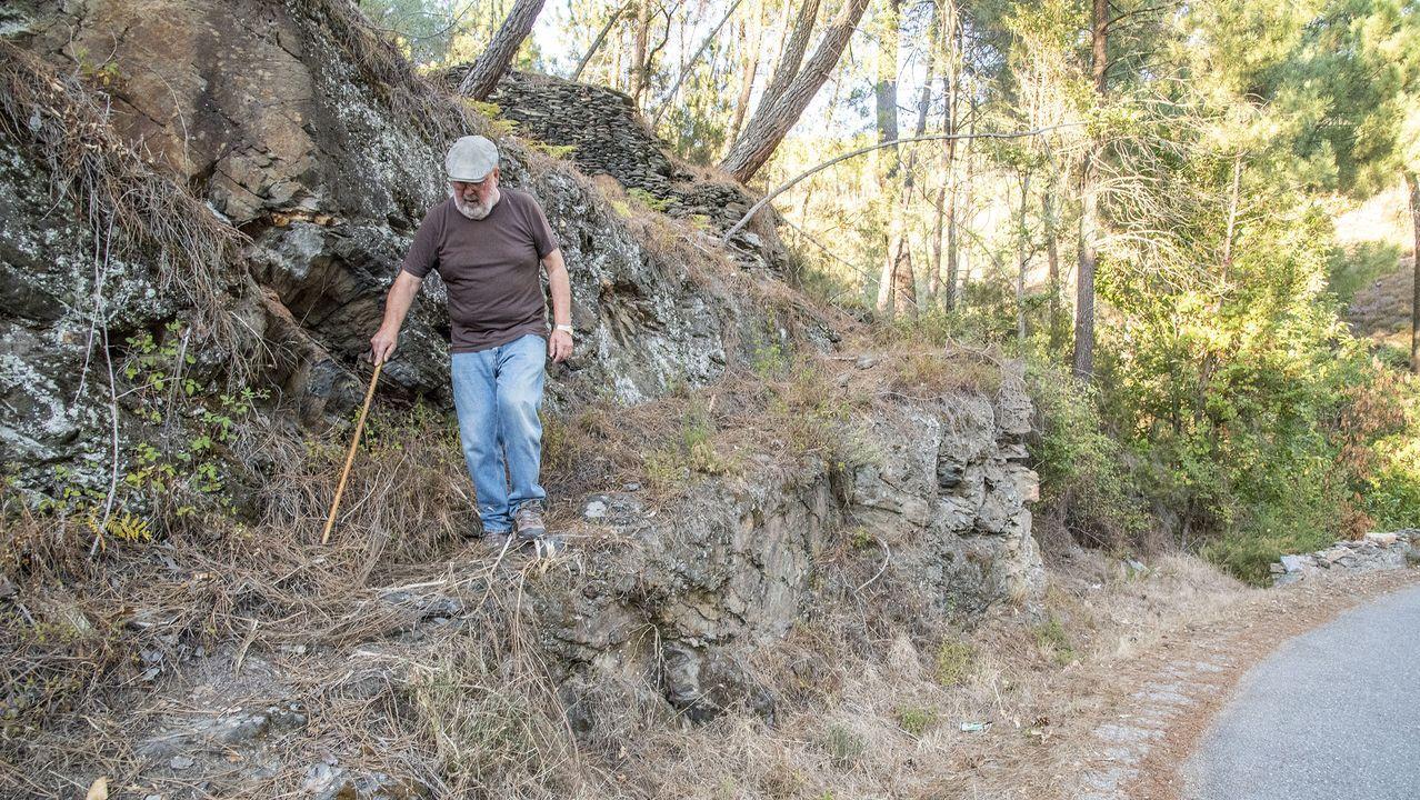 El camino que lleva al pozo arranca junto a la carretera de Paradaseca y Soldón