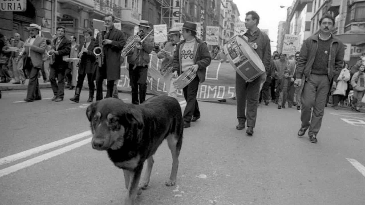 Con «Rufo», en una manifestación contra la entrada de España en la OTAN en Oviedo