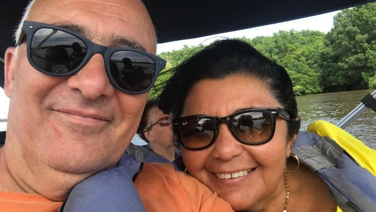 Julio y Francinete, al inicio de su viaje en Brasil