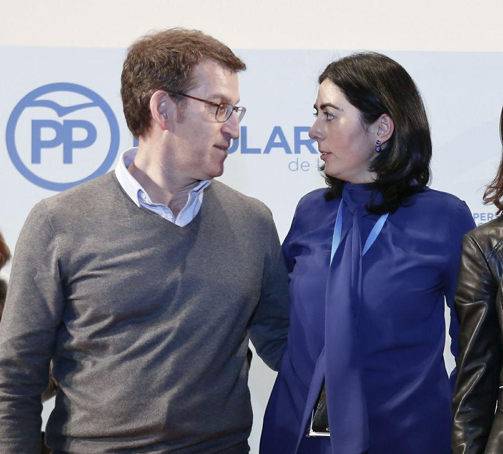Núñez Feijoo, presidente del PPdeG, y Elena Candia, mandamás en el partido en la provincia.