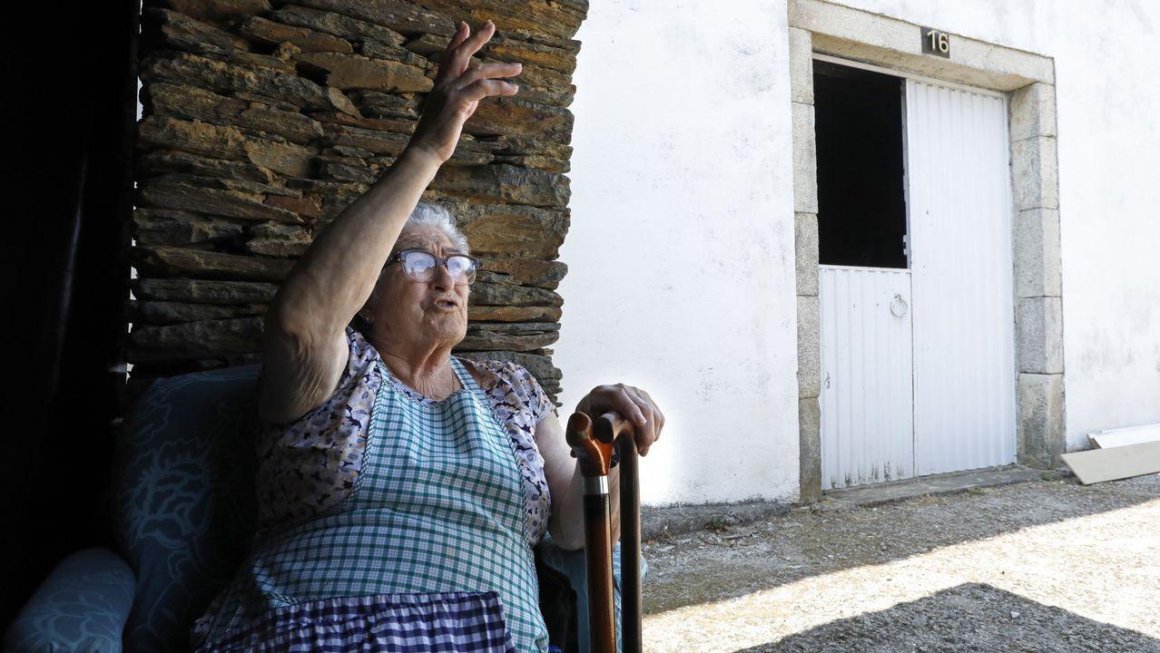 Elena Fernández, vecina de Guntin, afectada por el terremoto del martes