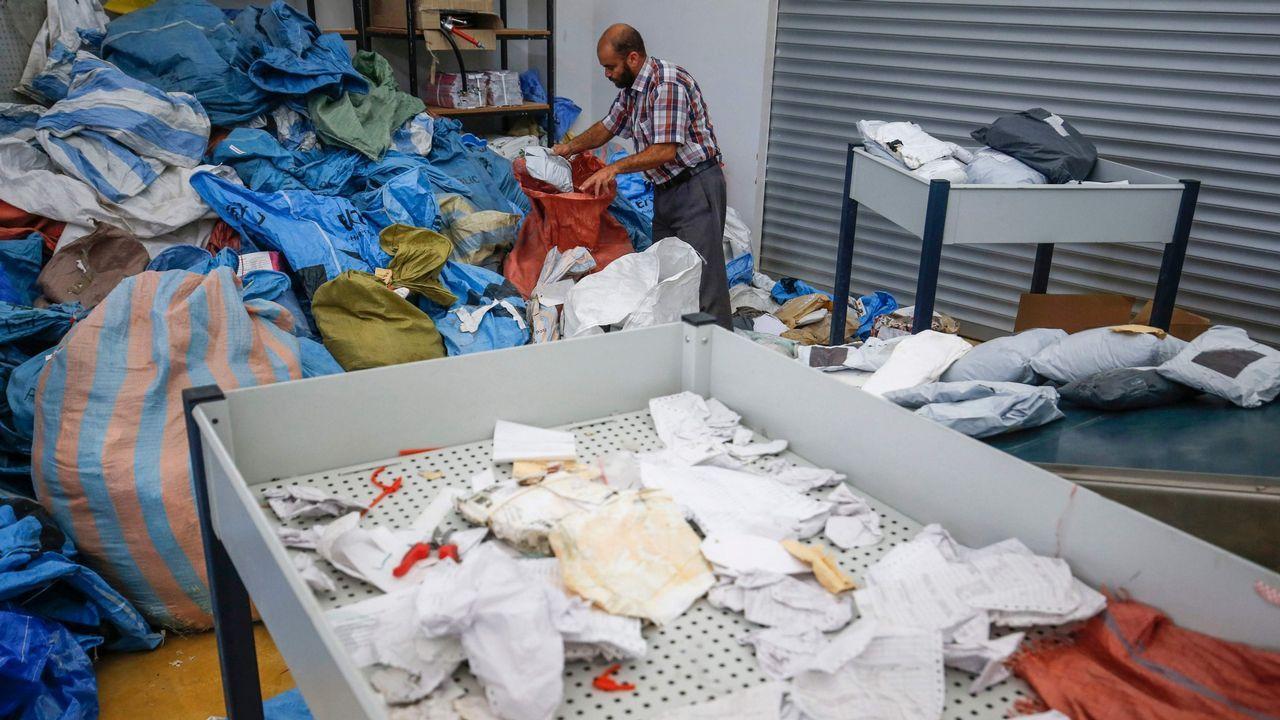 Diez toneladas de correo paralizadas durante ocho años por Israel.Carmen Possnig fotografiada en la base Concordia de la Antártida