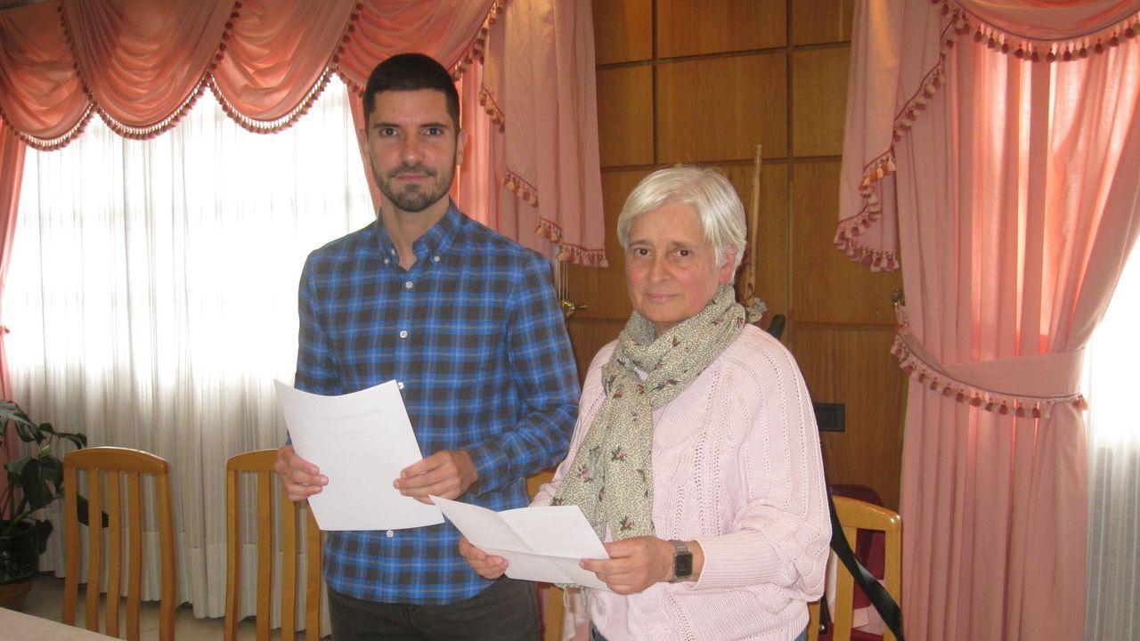 Modesto Renda (Vilalba Aberta) y Elba Veleiro, (PSOE) firmaron el pacto de gobierno el 13 de junio del año pasado