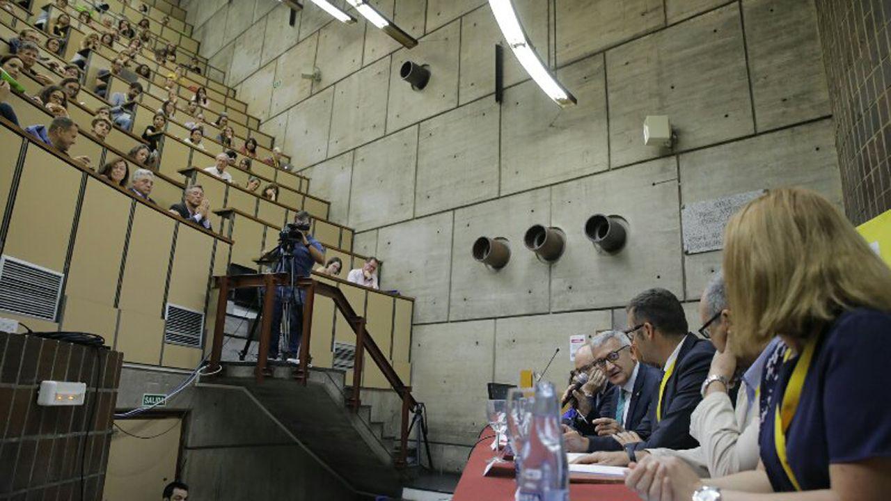 El rector, Santiago García Granda, en un acto en la Facultad de Ciencias de la Salud