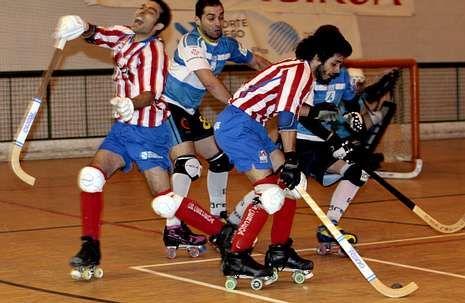 El delantero Mantiñán goleó en el torneo de Asturias.