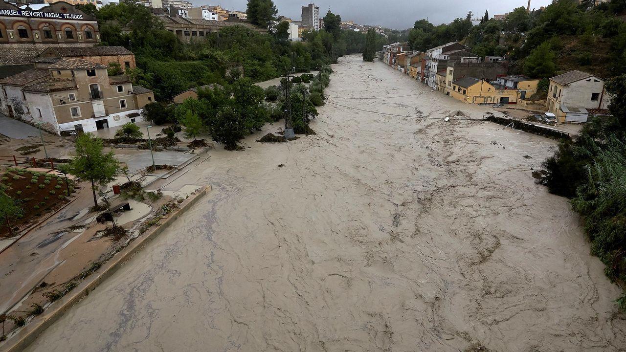 El río Clariano, completamente desbordado