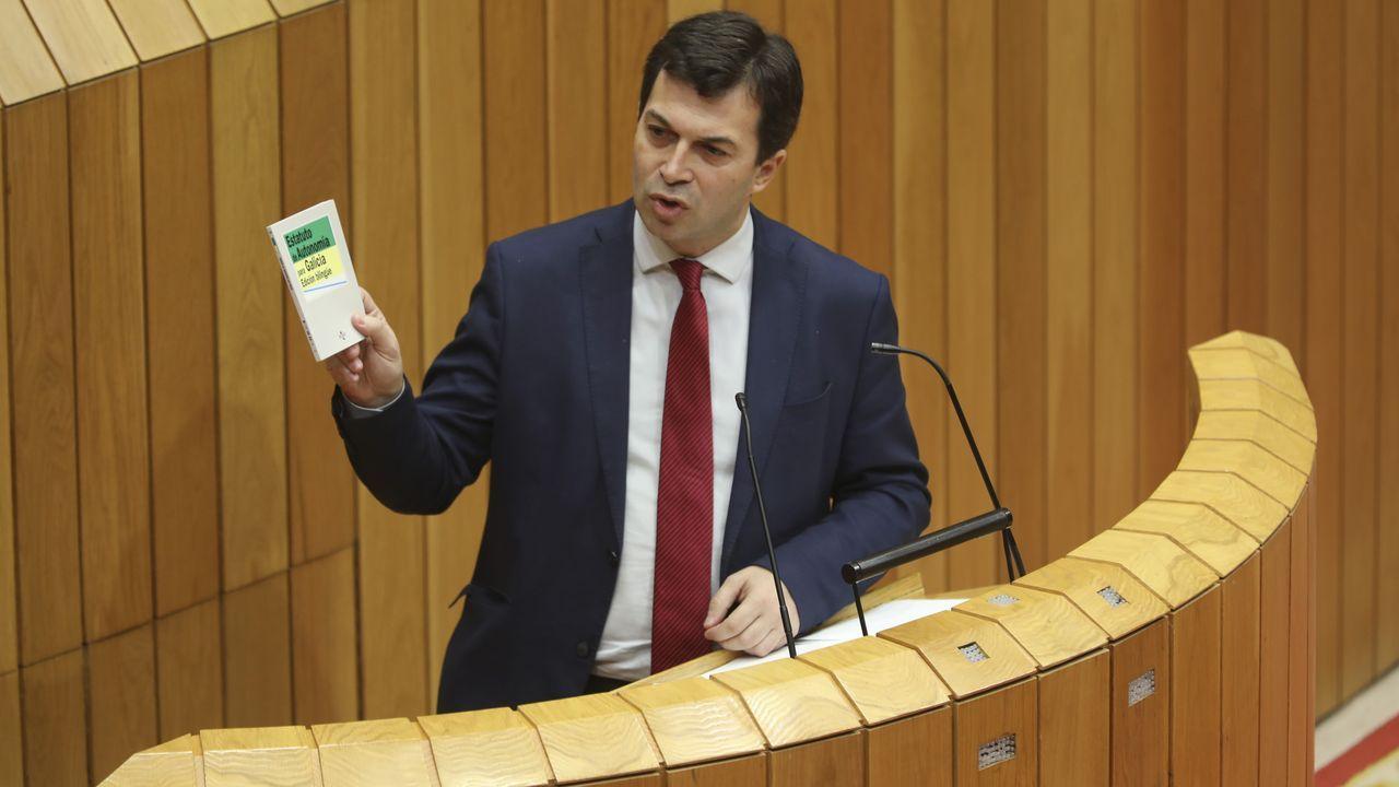 La toma de posesión en imágenes.Feijoo, tras ser proclamado presidente por el Parlamento de Galicia