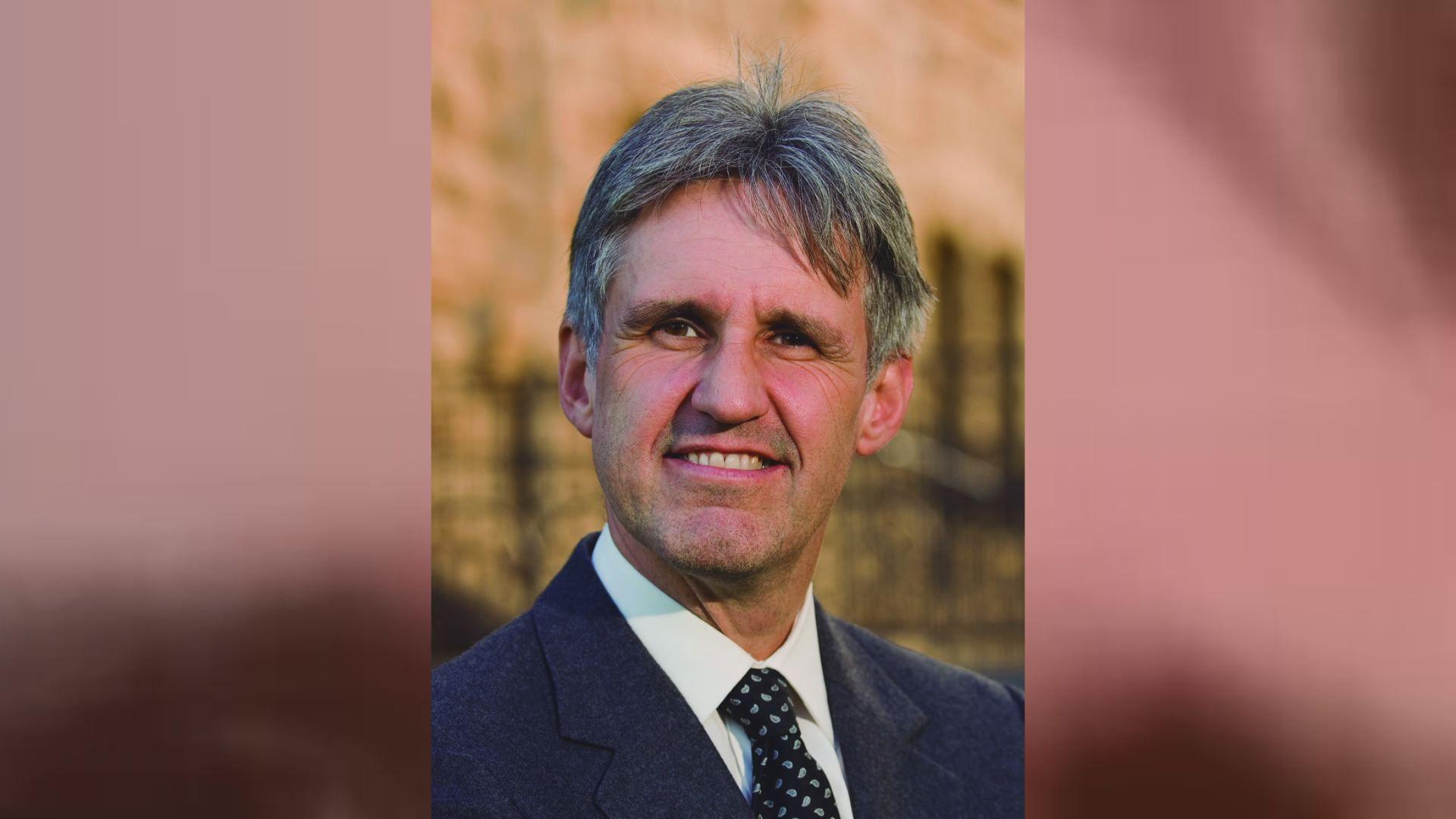 El mundo toma distancias.Ian Morris es arqueólogo, historiador y profesor en la Universidad de Stanford