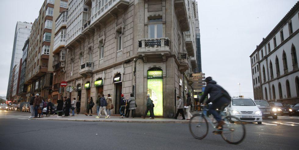 Desde el próximo jueves el bingo de la avenida de Rubine funcionará en el número 2 de la misma, en la casa Salorio.