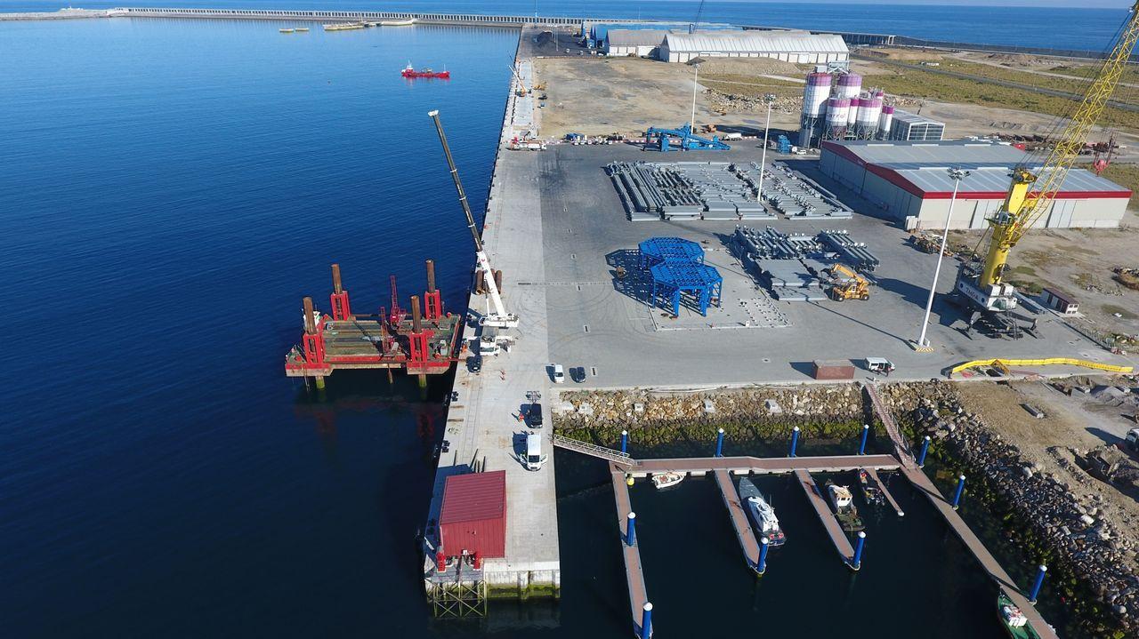 Vista aérea del nuevo muelle del puerto exterior de A Coruña
