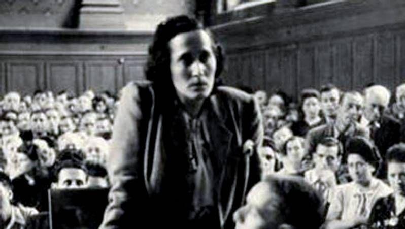 Manifestaciones en varias ciudades.Tomás Gómez recibe el apoyo de Antonio Carmona, candidato a la alcaldía de Madrid, quien defendió la honradez del destituido.