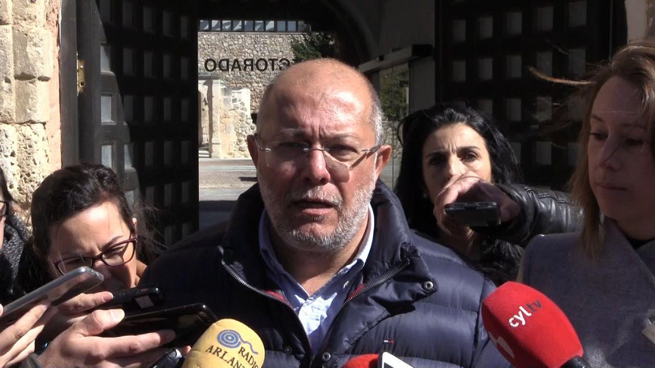 Pablo Casado: «Creo que Albert Rivera sería un excelente ministro de Exteriores».El candidato de Ciudadanos a la Presidencia de la Junta de Castilla y León, Francisco Igea