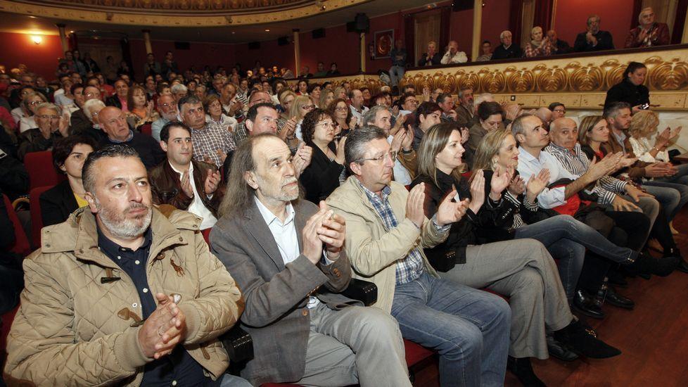 Castiñeira, Barreiro y Balseiro, siguiendo los datos del escrutinio en la sede del PP lucense.
