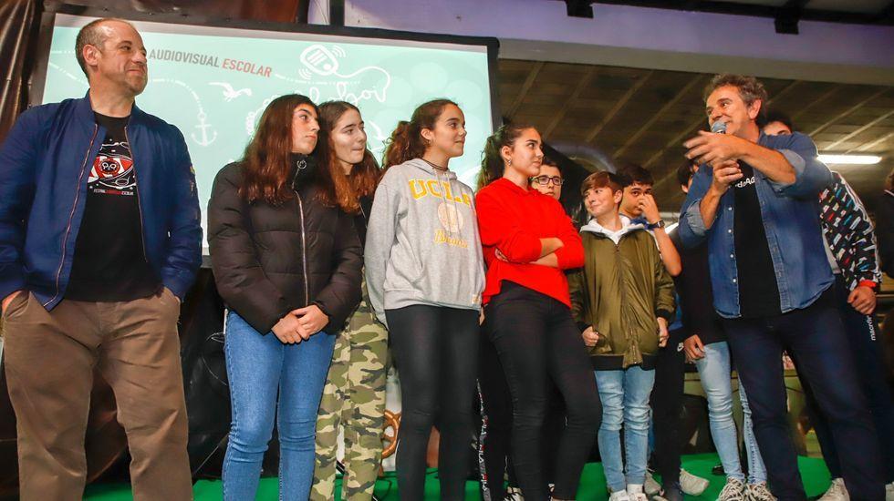 Exposición de arte feita con lixo mariño no liceo de Noia.Última gala de entrega de premios, celebrada no 2019, con Miguel de Lira