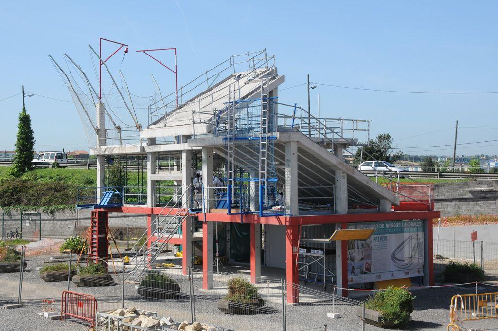 Carril de tren de Arcelor, en Veriña.Simulador de riesgos laborales de la Fundación Laboral de la Construcción