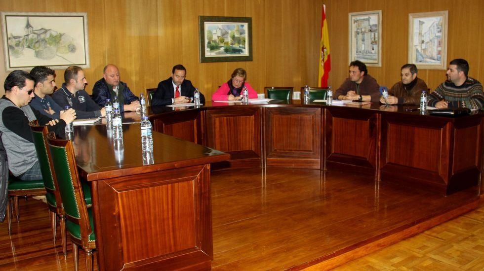 Concentración en defensa de la construcción de un segundo instituto en La Corredoria (Oviedo).Carlos Tartiere