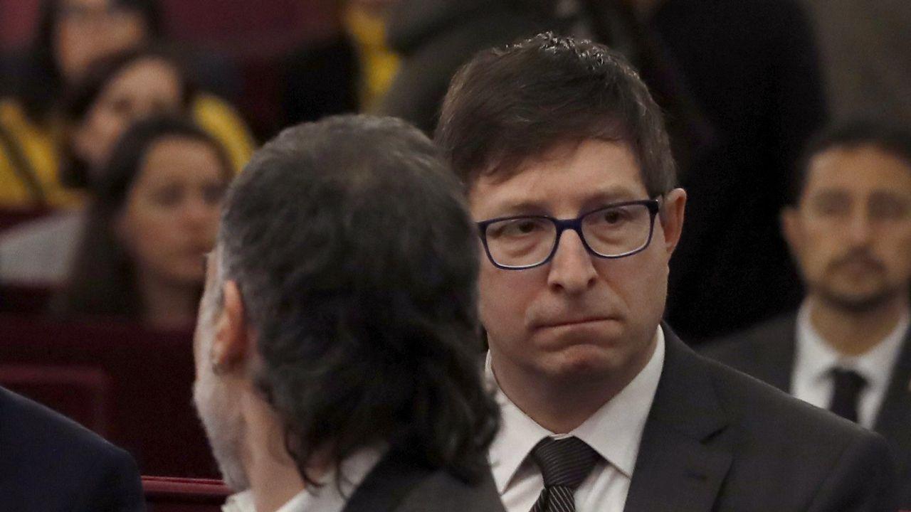 Carles Mundó. Exconsejero de Justicia, está acusado de un delito de desobediencia y otro de malversación.
