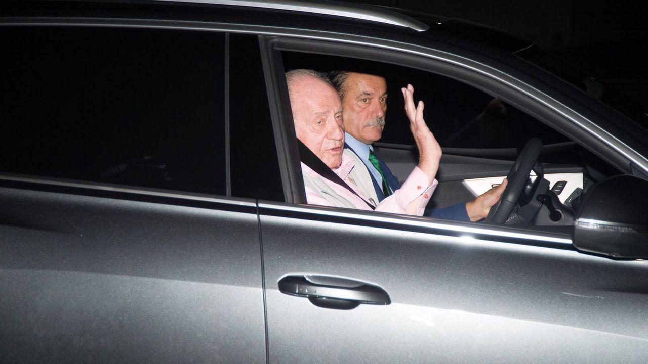La reina y las infantas visitan al rey Juan Carlos