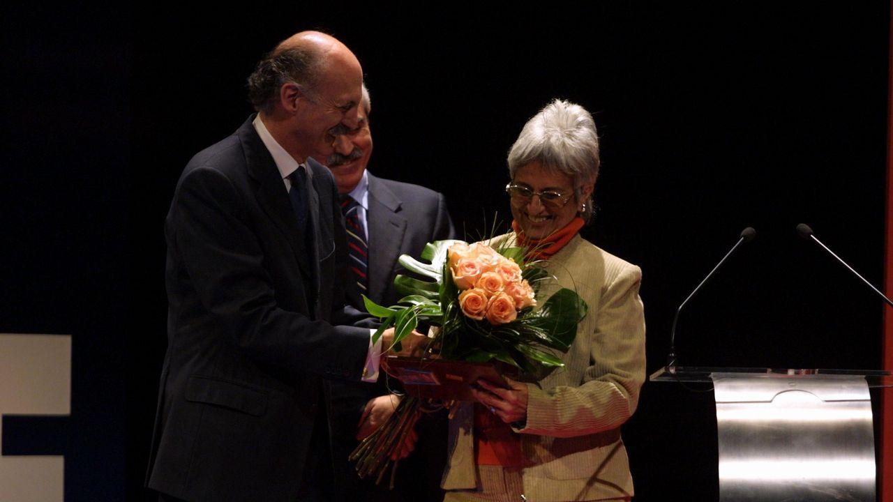 Premiados, jurado, organización, autoridades y patrocinadores en la foto de clausura de la vigésima edición del OUFF.