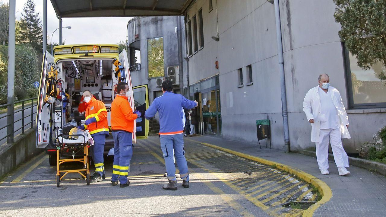 Unidad de reanimación de críticos covid en el complejo hospitalario dePontevedra.Entrada del servicio de urgencias del hospital Montecelo, en Pontevedra