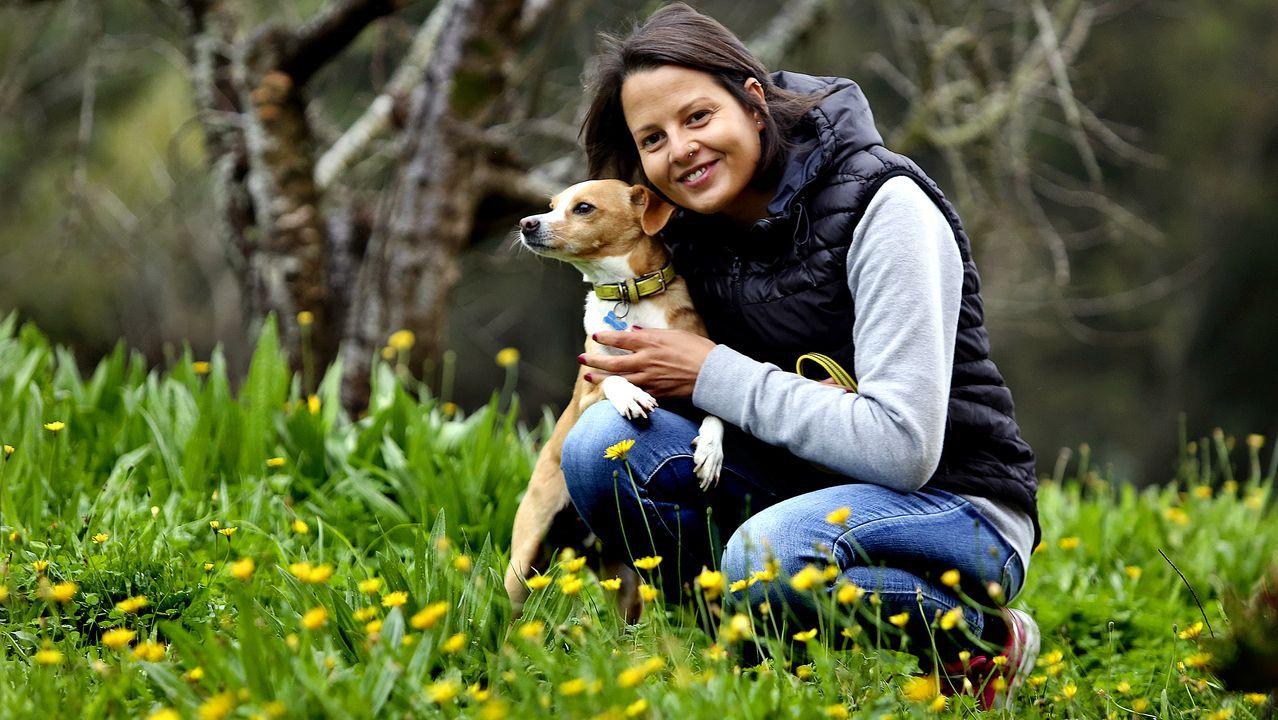 Noemí Fialho, vecina de Nigrán, superó un cáncer de mama con la ayuda de su perro