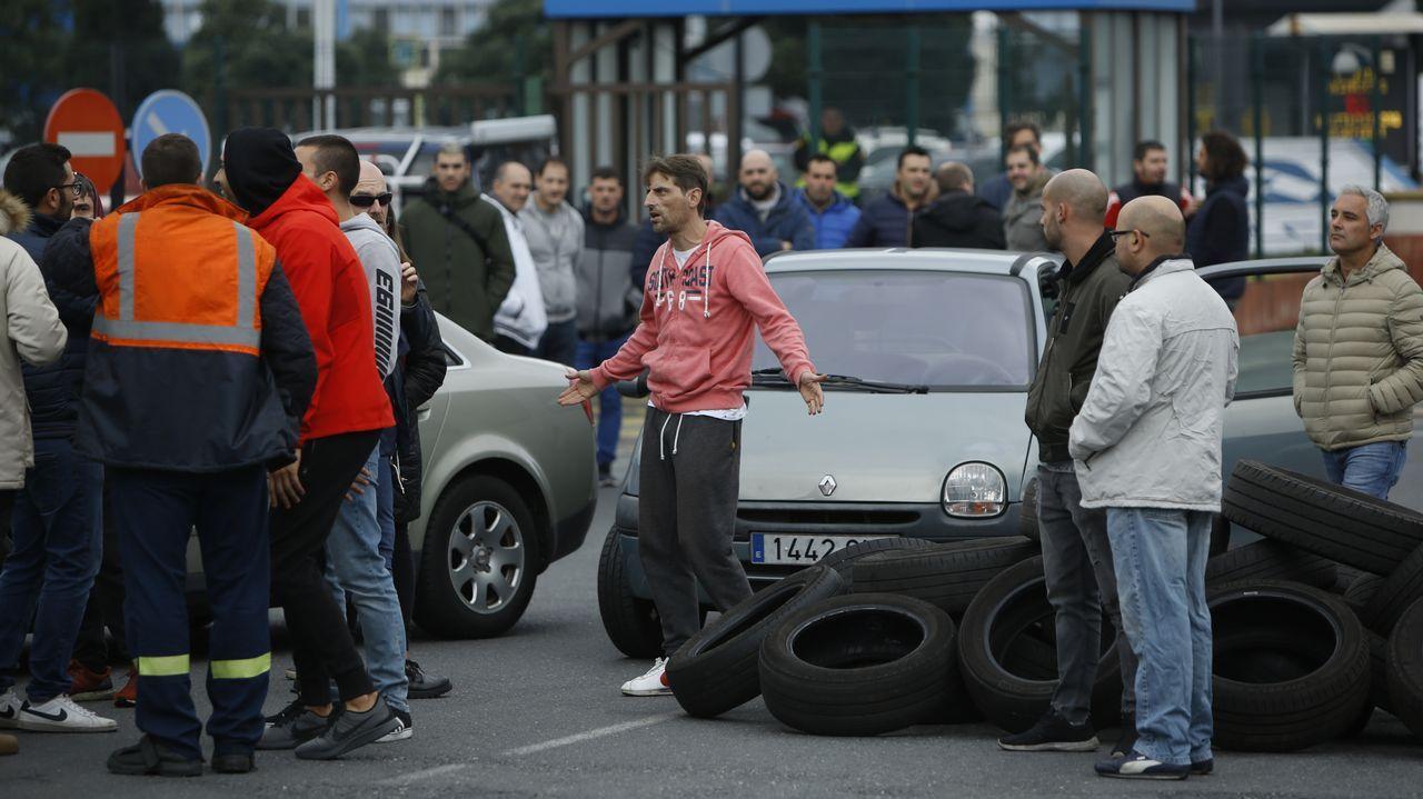 Kilómetros contra el cierre de Alcoa.PROTESSTAS DE LOS TRABAJADORES DE ALCOA POR EL CIERRE DE LA FÁBRICA
