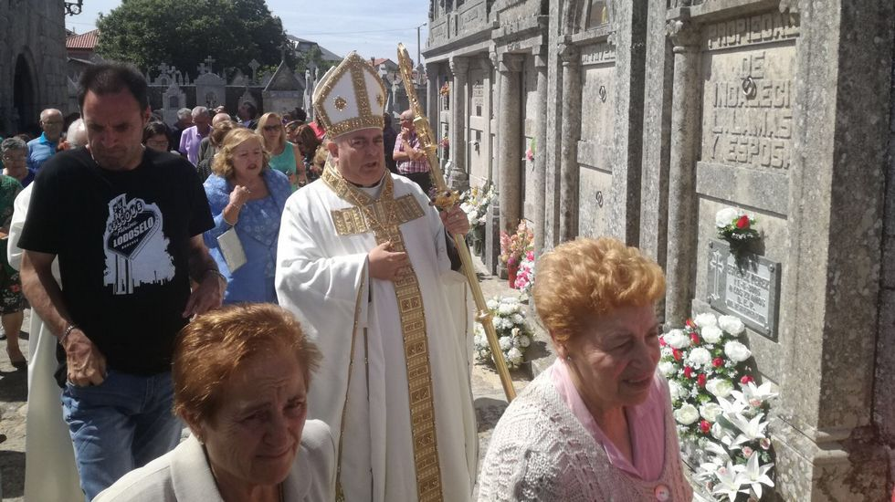 Imagen del multitudinario entierro en Sarreaus