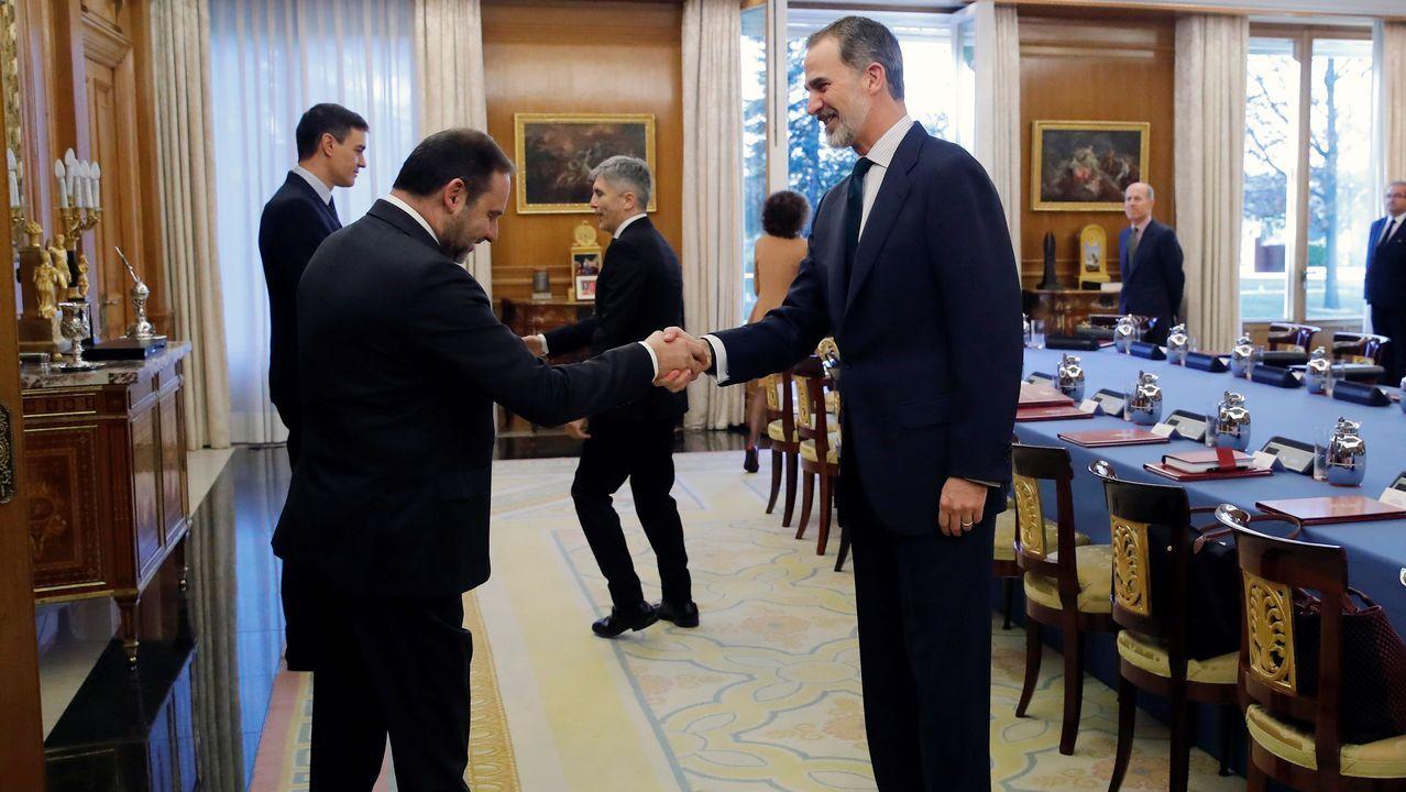 El rey recibe al ministro de Transporte, José Luis Ábalos
