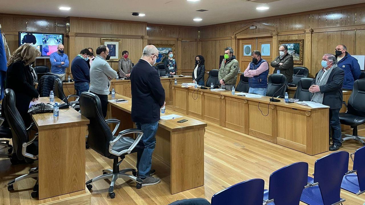Al inicio del pleno de Xinzo se guardó un minuto de silencio por la muerte del padre del concejal de AXI, Amador Díaz Penín