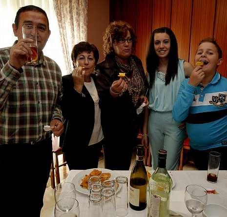 Hortumia celebró su comida anual en un restaurante.