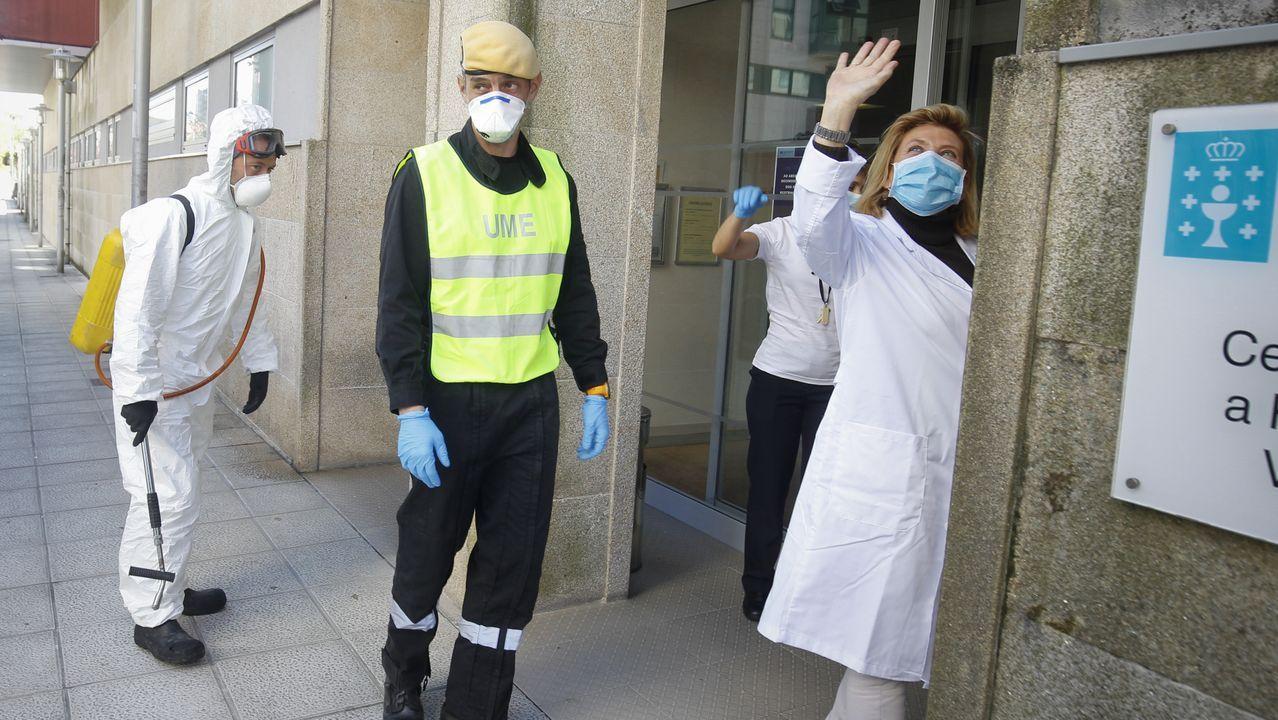 Trasladan a planta al primer enfermo con coronavirus ingresado en la unidad de críticos del CHUS.Dositeo Rodríguez en una imagen del año 2013