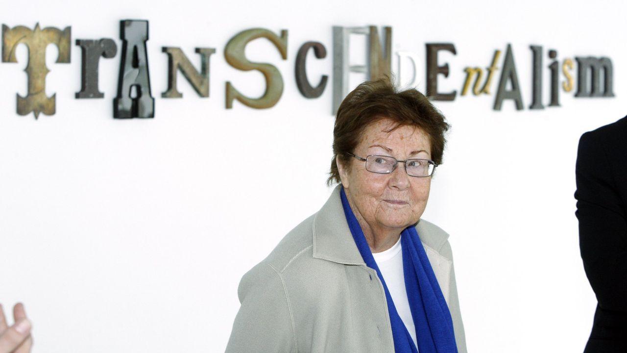 La galerista Helga de Alvear, en una exposición de su colección en el CGAC en el 2012