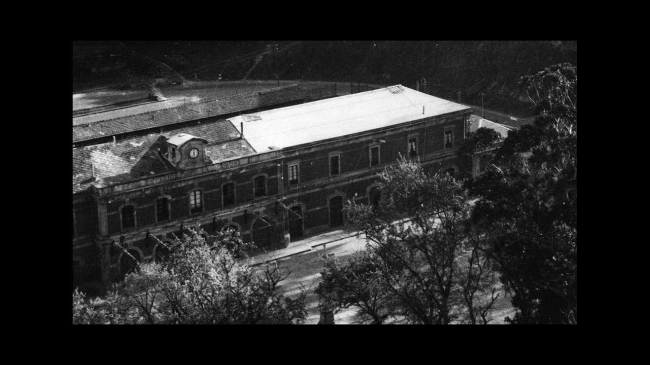 «Hace veinte años que Comisiones Obreras empezó a fallar».Diciembre de 1917. Manifestación a favor de la amnistía para als personas detenidas durante la huelga general del 13 de agosto de 1917. Antigua.