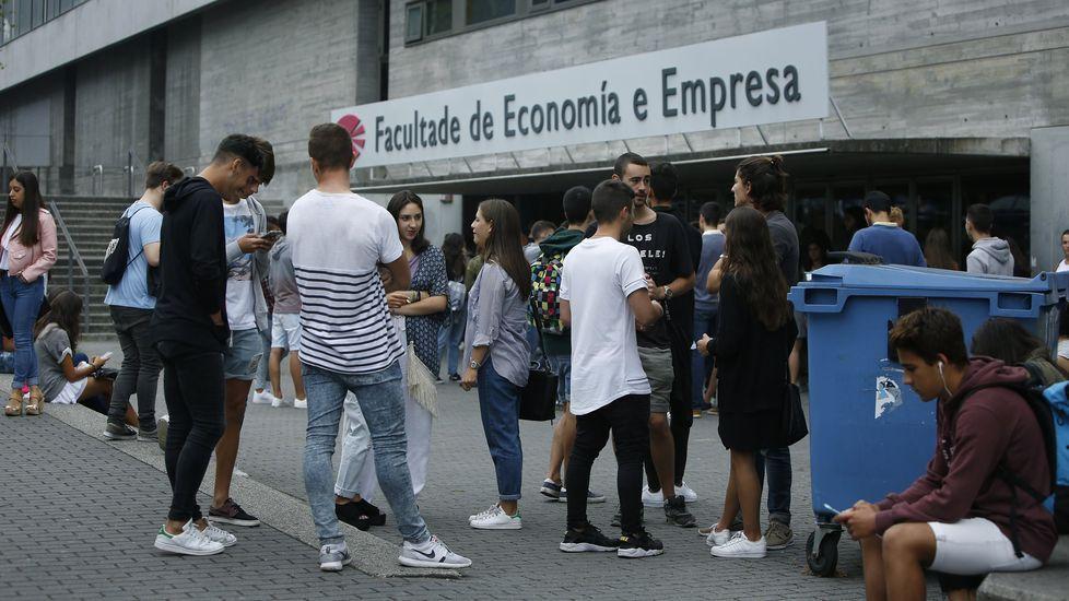 Los más pequeños protagonizan la vida de mercado en  A tenda de Antón