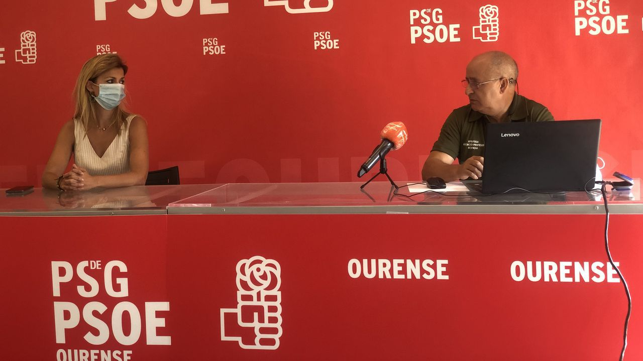 Los medios de extinción trabajan en Vilariño de Conso.Reunión del PSOE con Aparafoga