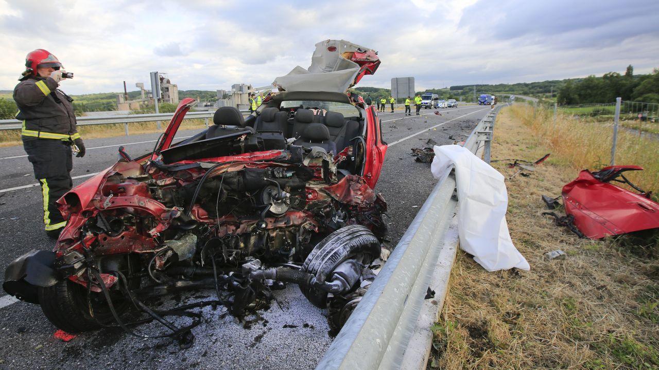Un recorrido en imágenes por el camino de Cibrisqueiros a San Cosmede.El último accidente mortal en el corredor se produjo el pasado día 24 a la altura de Oural