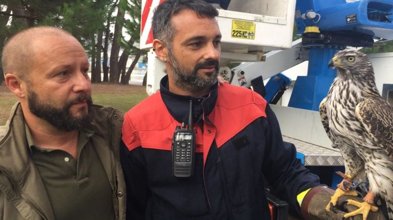 Azor recuperado en Oleiros.Núñez Feijoo y Pablo Casado, en un acto en Oleiros