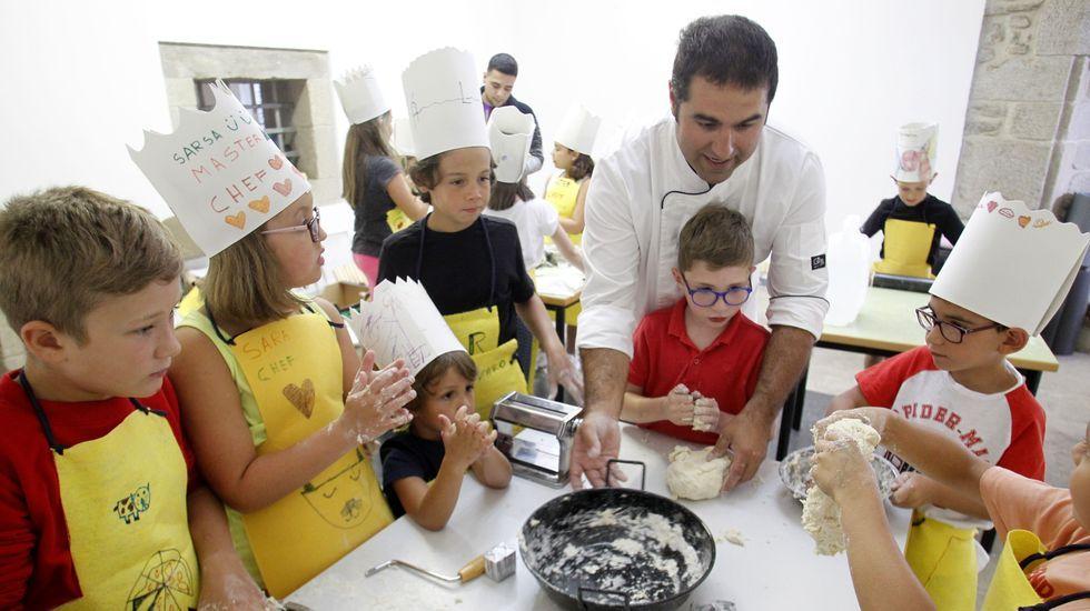 Malaka.La actividad de gastronomía para niños que dirigió el cocinero monfortino Martín Mantilla se celebró en el torreón de la cárcel vieja