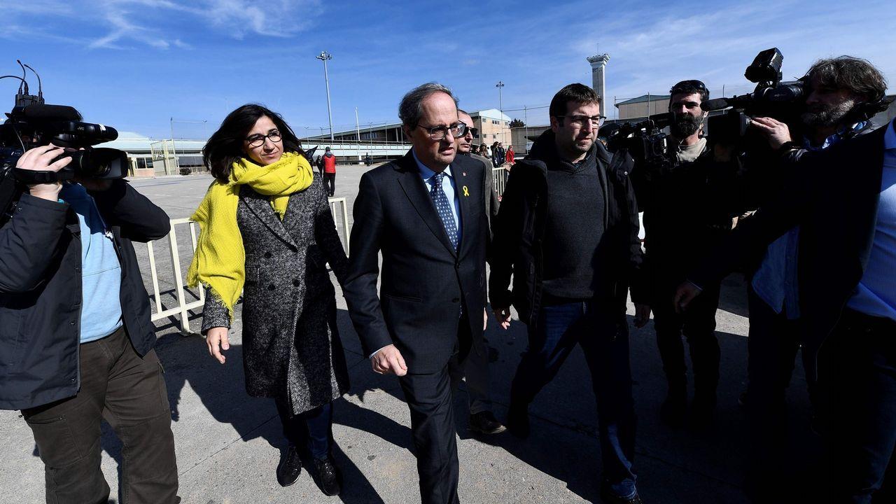 Torra, a la salida el pasado sabado de visitar a los presos en la cárcel de Soto del Real.Garzón durante su comparecencia en el Congreso