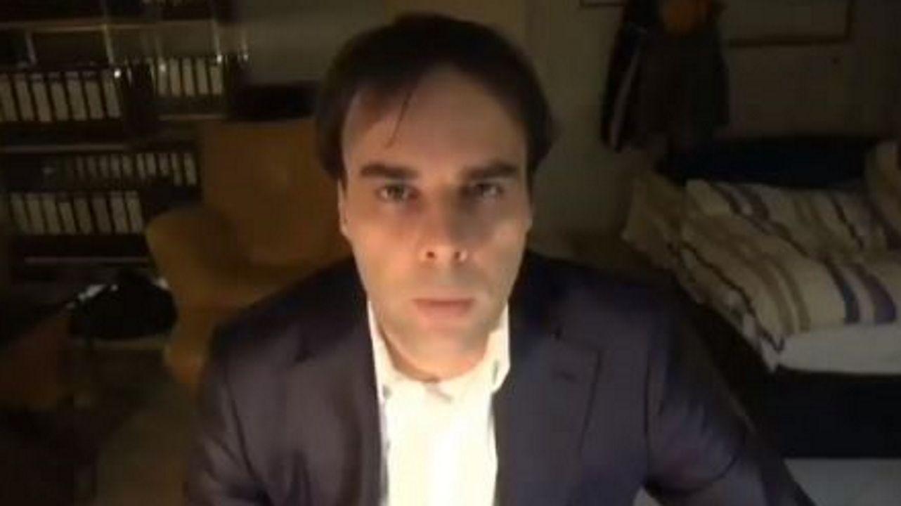 Captura de un vídeo difundido en las redes sociales en el que aparece el hombre identificado como autor de la masacre