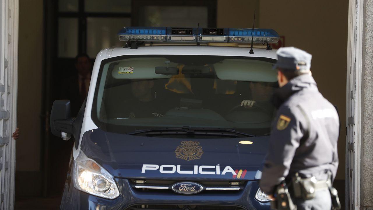 Un furgón policial a su llegada al Tribunal Supremo