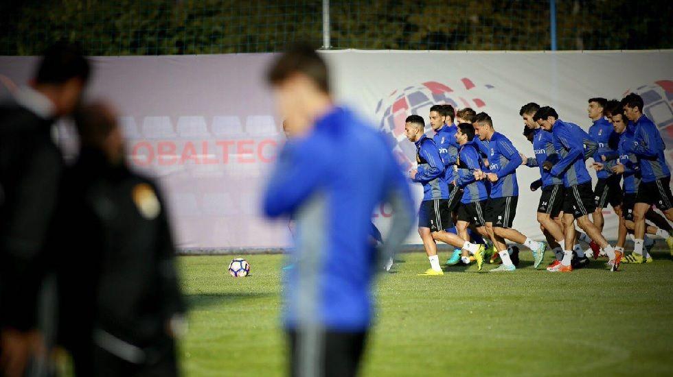 Tejera Real Oviedo Extremadura Carlos Tartiere.La plantilla del primer equipo se entrena en El Requexón