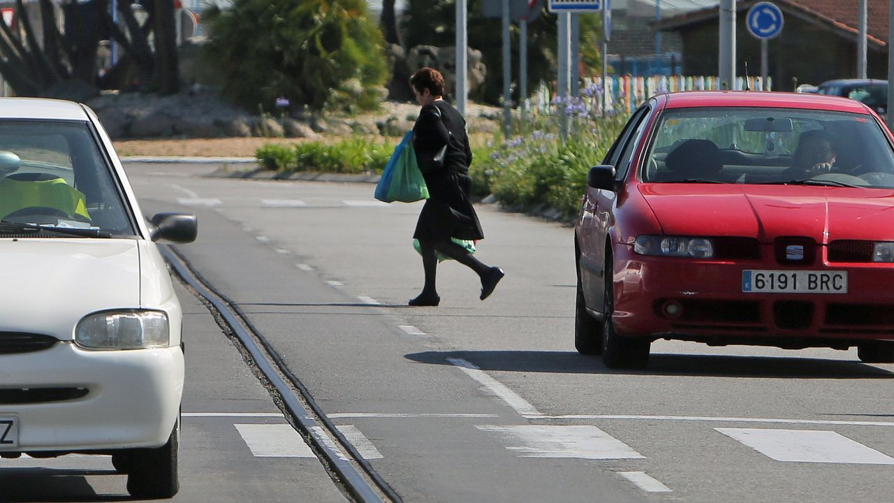 Circuitos ilegales para gastar rueda: ¡el vídeo!.La concejala de Infraestructuras, Ana Rivas, y el alcalde, Wenceslao López