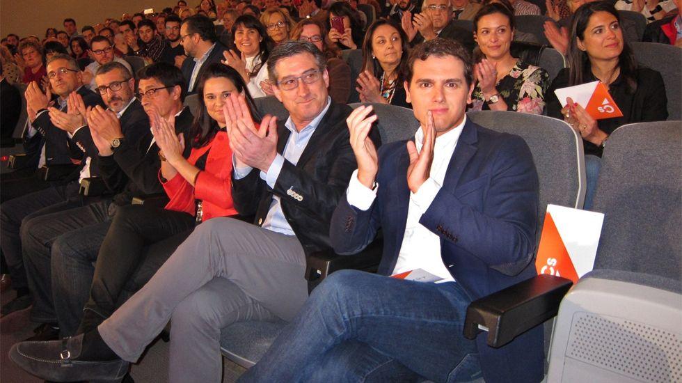 La consejera de Servicios y Derechos Sociales, Pilar Varela, preside el Consejo de Personas Mayores.Rivera, junto a Ignacio Prendes y otros dirigentes de C's, en Gijón
