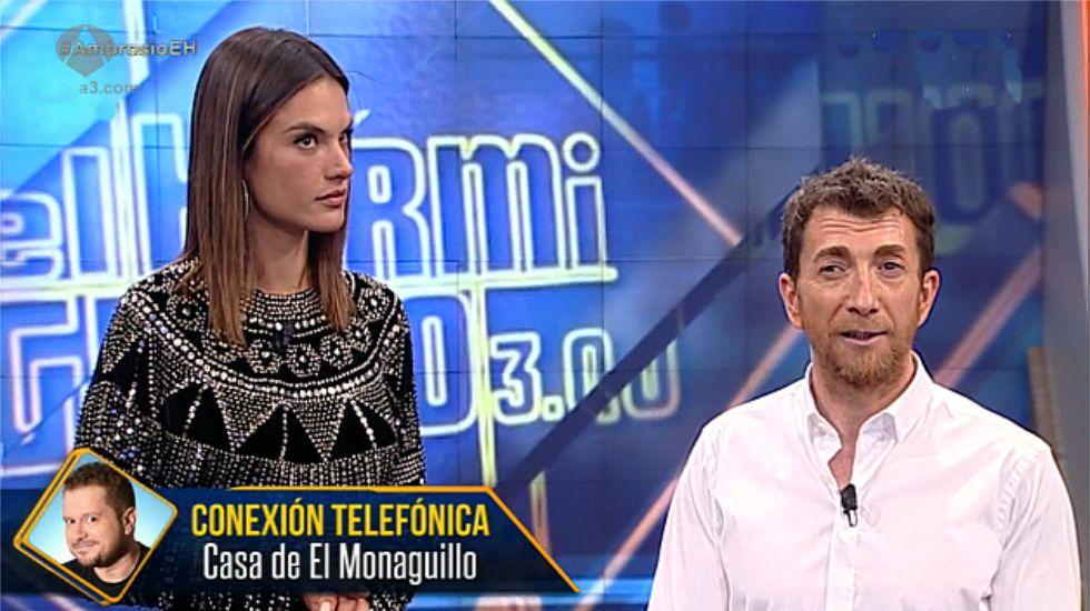 La cara de Alessandra Ambrosio ante la broma de Pablo Motos a El Monagillo