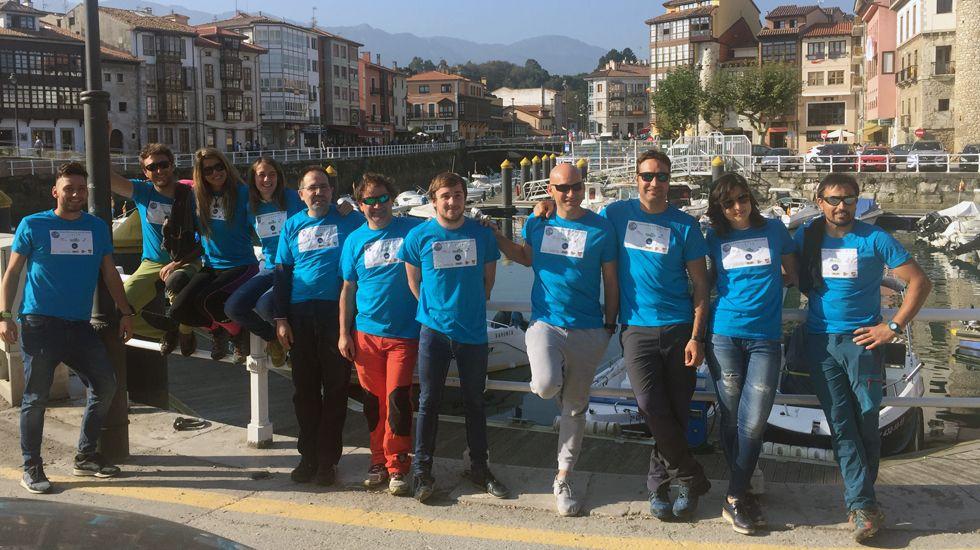El grupo de voluntarios que limpió el fondo marino de basura en Llanes.El grupo de voluntarios que limpió el fondo marino de basura en Llanes