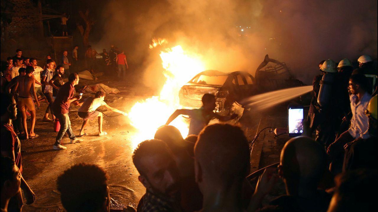 De Siria a Ourense tras el rastro de Teodora Asenjo.El coche incendiado en El Cairo
